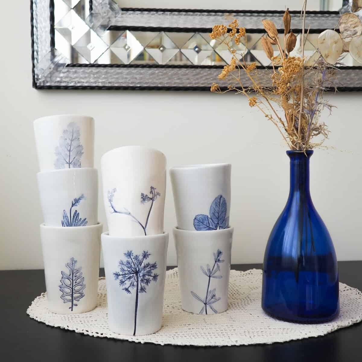 Bicchieri ceramica botanica bianchi e blu