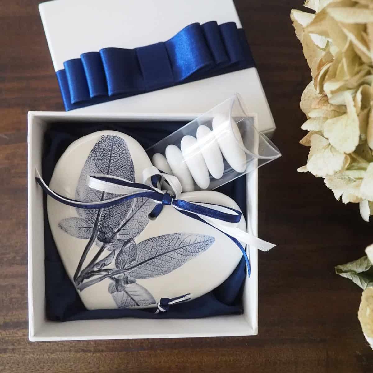 bomboniere cuore ceramica Rimini foglie blu